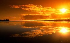 Lake Sunset Wallpaper from Nature. Pretty sunset over a calm lake reddish sky Amazing Sunsets, Beautiful Sunset, Beautiful Places, Beautiful Beautiful, Beautiful Scenery, Vander Lee, Orange Interior, Modern Interior, Show Me The Way
