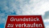 In #Deutschland wird mehr auf #Kredit gebaut #Banken in Deutschland haben Baukredite für 123 #Billionen #Euro vergeben. Das ist der höchste Stand seit der Finanzkrise. Vor allem im vorigen Sommer hat die #Kreditnachfrage auffällig zugelegt.  #Märkte #Anlagestrategie