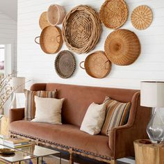 Amazing Coastal Living Room Decoration Ideas You Must Try Strategies Exploited - myriadinspira Boho Living Room, Living Room Decor, Bedroom Decor, Coastal Living, Baskets On Wall, Home Decor Inspiration, Diy Home Decor, Art Decor, Interior Design