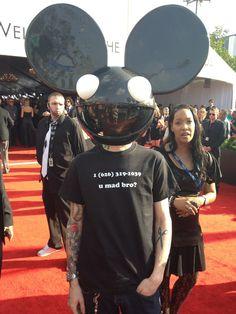 Deadmau5 trolls Skrillex at the Grammys.