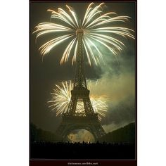 Paris Eiffel Tower Fireworks Photos ❤ liked on Polyvore featuring backgrounds, paris, pictures, fireworks and cities