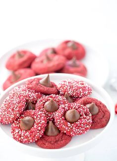 These classic red velvet blossom cookies are crispy indulgent and perfect for Valentines Day! via These classic red velvet blossom cookies are crispy indulgent and perfect for Valentines Day! Cookie Recipes, Dessert Recipes, Bar Recipes, Recipes Dinner, Dessert Ideas, Sweet Recipes, Blossom Cookies, Tea Cookies, Sweet Cookies