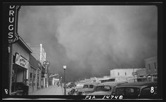 Dust storm, Elkhart, Kan. 1937 May. Library of Congress.