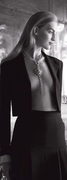 Harper 39 s bazaar uk june 2016 by moncsi - issuu Black White Photos, Black And White, Mademoiselle Coco, Glamour, Chanel Fashion, Women's Fashion, White Fashion, Cool Girl, Fashion Photography