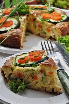 Wytrawny placek z kurczakiem i warzywami - Damsko-męskie spojrzenie na kuchnię Yummy Eats, Salmon Burgers, Quiche, Recipies, Food And Drink, Healthy Recipes, Healthy Food, Gluten Free, Keto