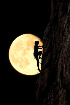 "resplend3nt-rap4cious: "" luxuriousimpressions: "" Moon Climber By Alex Brylov "" """