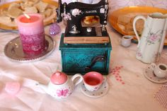 Vintage and Shabby chic tea party | CatchMyParty.com