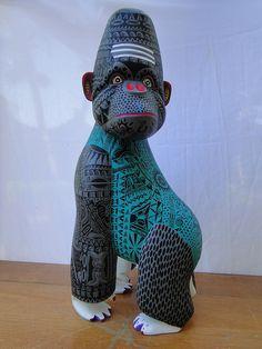 Gorila c/Diseño Etnico by Alebrijes Jimenez, via Flickr