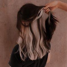 Hair Color Streaks, Hair Color Purple, Hair Dye Colors, Green Hair, Hair Highlights, Two Color Hair, Purple Peekaboo Hair, Under Hair Color, Hair Color Underneath