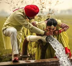 Gur Punjabi Wedding Couple, Couple Wedding Dress, Indian Wedding Couple Photography, Punjabi Couple, Sikh Wedding, Wedding Couples, Pre Wedding Poses, Pre Wedding Photoshoot, Wedding Shoot