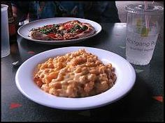 Disney Recipes: Four Cheese Macaroni Recipe from Wolfgang Puck Express, Downtown Disney Diner Recipes, Copycat Recipes, Snack Recipes, Vegetarian Recipes, Four Cheese Macaroni And Cheese Recipe, Wolfgang Puck Recipes, Disney Inspired Food, Disney World Food, Downtown Disney