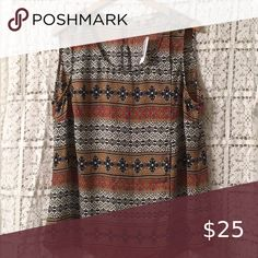 Shop Women's Roz & Ali Black size Blouses at a discounted price at Poshmark. Sleeveless Shirt, Pretty Woman, Blouse, Shirts, Things To Sell, Black, Women, Fashion, Moda