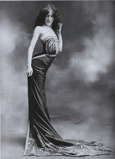 """Edith La Sylphe ~ invented the """"Sylphide"""" corset, making the very unhealthy 'snake silhouette' popular. c.1900"""