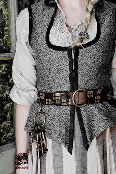 Black Sails + Costume Details | ©
