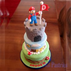 Super Mario cake - my youngest would go nuts if I could make this for his birthday...