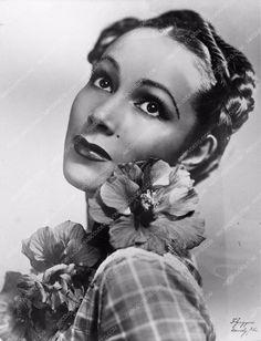 photo Dolores del Rio portrait 590-18