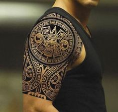 tatuajes aztecas y mayas en el brazo Mayan Tattoos, Aztec Tattoo Designs, Tribal Shoulder Tattoos, Polynesian Tattoo Designs, Tribal Tattoos For Men, Filipino Tattoos, Tribal Sleeve Tattoos, Trendy Tattoos, Tattoos For Guys