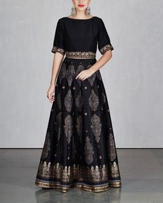 indian fashion Kurtis -- Click Visit link for more info Indian Gowns Dresses, Pakistani Dresses, Indian Attire, Indian Outfits, Indian Designer Outfits, Designer Dresses, Sari Dress, Dress Up, Lehenga Designs