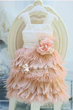 Платье для девочки с перьями Марабу. Handmade.
