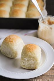 The Baker Upstairs: soft and fluffy one hour rolls (HT note: sub in vegetable margarine for the butter and it's a vegan recipe! Bread Recipes, Cooking Recipes, Dinner Rolls Recipe, Vegan Thanksgiving, Bread And Pastries, Butter Recipe, Bun Recipe, Food To Make, Food And Drink