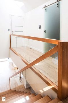 Treppe Stair Railing Ideas Treppe T White Staircase, Staircase Railings, Wooden Staircases, Bannister, Glass Stairs, Wood Stairs, House Stairs, Stair Railing Design, Railing Ideas