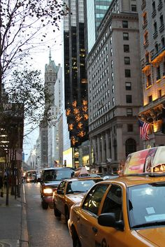 Fifth Avenue in December (looking north from just below 55th Street)