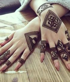 Fascinating new year mehndi designs for hands and arms 2019