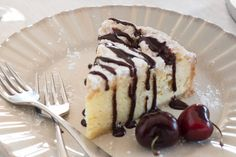 Take our delicious Italian Mascarpone Torta Cheesecake to soaring heights with this delightfully decadent sauce topping. Creme Brulee Cheesecake, Cheesecake Toppings, Cheesecake Recipes, Dessert Recipes, Just Desserts, Delicious Desserts, Yummy Treats, Sweet Treats, Italian Cream Cakes