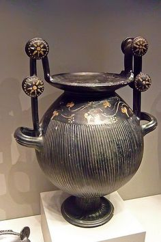 anthropologyyy:  Fluted nestoris a Greek ritual vessel from Apulia in south Italy Gnathia ware 300 BCE