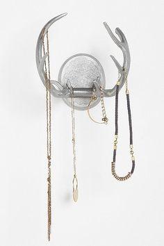 antler jewelry holder. love.