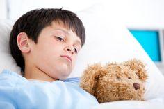 Was tun, wenn das Kind krank ist und zu Hause gepflegt werden muss? Dürfen Eltern und Arbeitnehmer dann einfach daheim bleiben? Was das Arbeitsrecht sagt...  http://karrierebibel.de/krankes-kind-rechte/