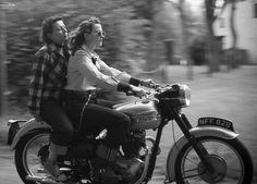 ❤️ Women Riding Motorcycles ❤️ Girls on Bikes ❤️ Biker Babes ❤️ Lady Riders ❤️ Girls who ride rock ❤️ Women Riding Motorcycles, Triumph Motorcycles, Triumph T100, Vintage Motorcycles, Biker Chick, Biker Girl, Cafe Racer Girl, Bike Rider, Motorcycle Girls