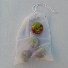 """Sac filet réutilisables 10"""" x 14"""" (36cm x 25cm), sac pour l'épicerie, sac pour fruits et légumes, sac à vrac, zéro déchet, fait au Québec.  Sac filet très résistant et léger, peut être utilisé pour l'épicerie, le vrac ou comme sac de lavage. Filets, Fruits And Vegetables, Quebec, Zero Waste, Mesh, Comme, Blog, Laundry, How To Make"""