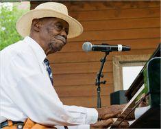 """Pinetop Perkins"" The boogie-woogie piano player Chicago Blues Festival, Pinetop Perkins, Joseph Williams, The Boogie, Piano Player, Blues Artists, Boogie Woogie, Jazz Musicians, Original Song"