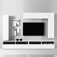 This wall composition is composed of 2 TV stands and 6 cube-shaped units. Thanks… Diese Wandaufbau besteht aus 2 TV-Ständer … Tv Unit Decor, Tv Wall Decor, Tv Cabinet Design, Tv Wall Design, Tv Unit Furniture Design, Modern Tv Wall Units, Tv Wand, Tv Stand Designs, Rack Tv