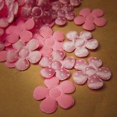 Polka Dot Flower Applique  #craft365.com