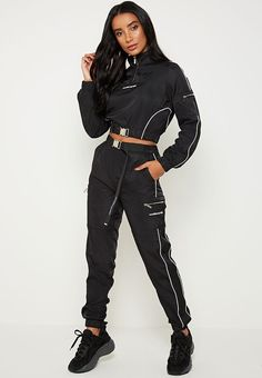 Ggers & hoodies way of seeing way of seeing uk. Sporty Outfits, Mode Outfits, Cute Casual Outfits, Outfits For Teens, Fashion Outfits, Spy Outfit, Women's Sports Leggings, Fitness Wear Women, Urban Fashion