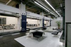 SONE YASUHIRO DESIGN INC. designed the 'Vantan Design Institute, SOKO Yokohama' in Yokohama, Japan. http://en.51arch.com/2014/11/a1040-vantan-design-institute-soko-yokohama/