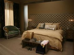 Serena's bedroom in Gossip Girl - sleek, modern with touches of beige, gold and silver