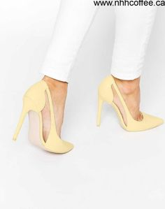 ded79716e606 Billedresultat for pale yellow + silver shoes