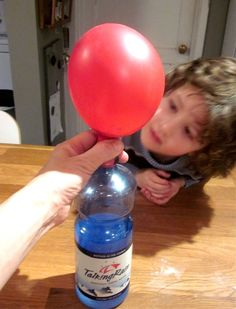 Mama's Little Muse: Science Activity: Blowing up a balloon using baking soda and vinegar
