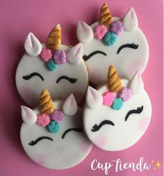 Fágann sé seo go bhfuil ocras orm Fondant Cookies, Cupcake Cookies, Cupcake Toppers, Cupcakes Flores, Butterfly Cupcakes, Unicorn Birthday Parties, Unicorn Party, Cake Decorating Tips, Cookie Decorating