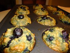 things that I want to remember later...: Blueberry-oatmeal-apple sauce Muffins