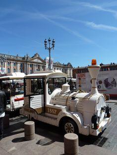 Un parcours original dans Toulouse en 35 mn en petit train touristique © Office de Tourisme de Toulouse #visiteztoulouse #train #toulouse