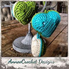 Annoo's Crochet World: Heart Crochet Ornament Free Pattern ❥Teresa Restegui http://www.pinterest.com/teretegui/❥