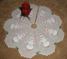 Crochet Pattern for a filet snowman Christmas tree skirt with a scalloped edging Victorian Christmas Ornaments, Crochet Christmas Decorations, Christmas Tree Pattern, Crochet Christmas Ornaments, Christmas Crochet Patterns, Holiday Crochet, Christmas Knitting, Christmas Cross, Xmas Tree Skirts
