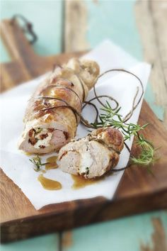Tender and juicy pork fillet stuffed with a couple of really tasty ingredients that the Greek cuisine honours very often! Cookbook Recipes, Cooking Recipes, Pork Fillet, Good Food, Yummy Food, Sun Dried, Greek Recipes, Main Meals, I Foods