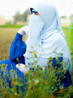 Hijabi Girl, Girl Hijab, Muslim Women Fashion, Womens Fashion, Tea Display, Hijab Evening Dress, Niqab Fashion, Muslim Girls, Beautiful Hijab