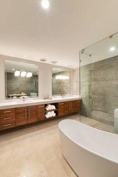 Busca imágenes de diseños de Baños estilo Moderno}: Baño principal. Encuentra…