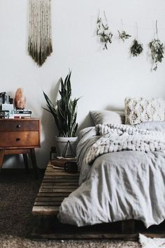 The 29 Most Beautiful Rooms On Instagram #refinery29 www.refinery29.co... Organic accessories and lush fabrics are every bit as comfortable as they are cool. ...